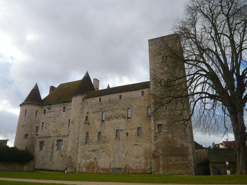 Arrière-du-château,-Nemours