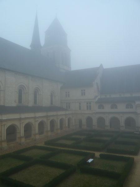 Cloître,-abbaye-de-Fontevraud-(3)