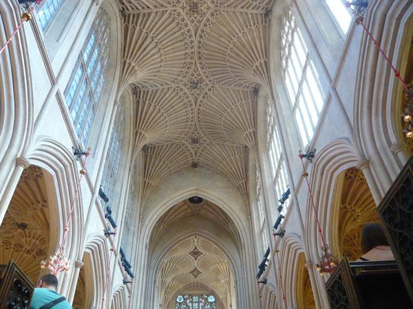 Intérieur-abbaye-de-Bath-(1)