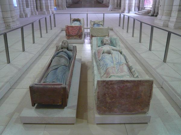 Les-4-gisants,-abbaye-de-Fontevraud-(1)
