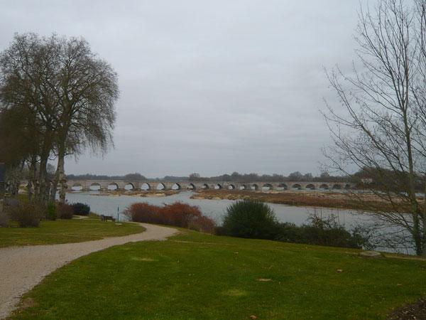 Pont-sur-la-Loire,-Beaugency--(1)