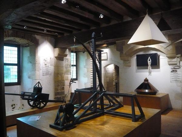 Salle-des-Inventions,-château-du-Clos-Lucé,-Amboise-(2)
