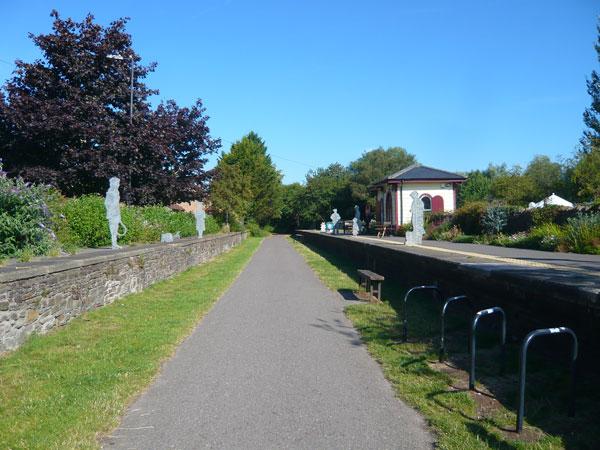 Statue-quai-Railway-Path,-Bristol