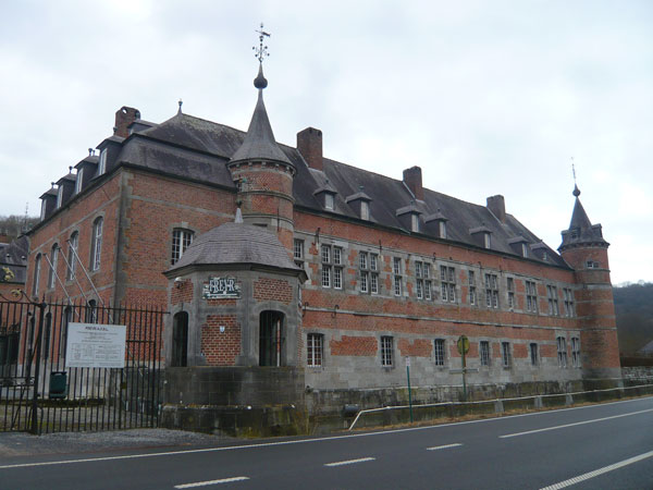 Château-de-Freÿr-(1)