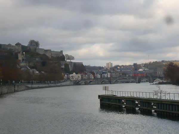 Entrée-de-Namur-par-la-Meus
