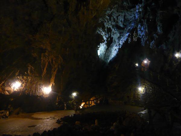 Intérieur-Grotte-La-Merveil