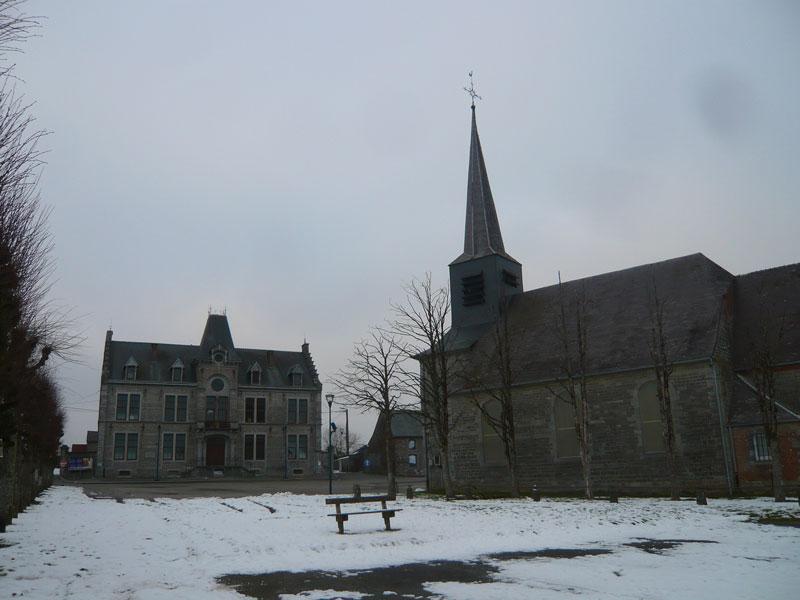 Place-Centrale,-Seloignes