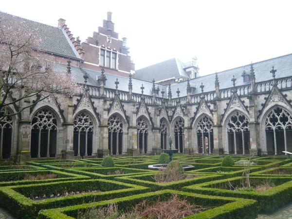 Kloostergang,-Cloître,-Utre
