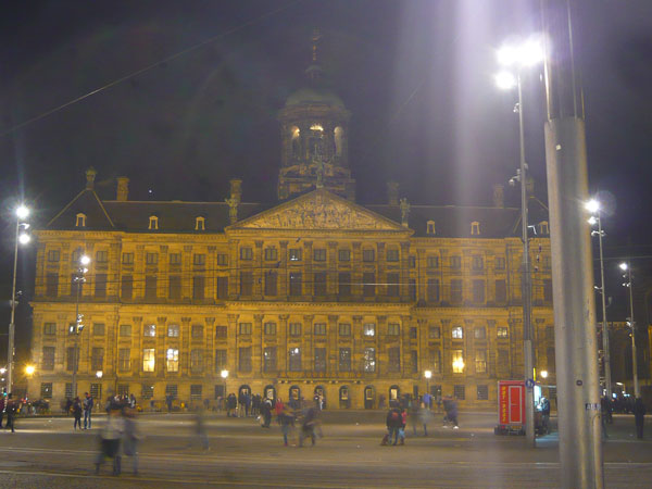 Koninklijk-Palace,-Dam,-Ams