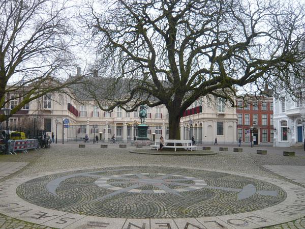 Place-du-palais-Noordeinde,