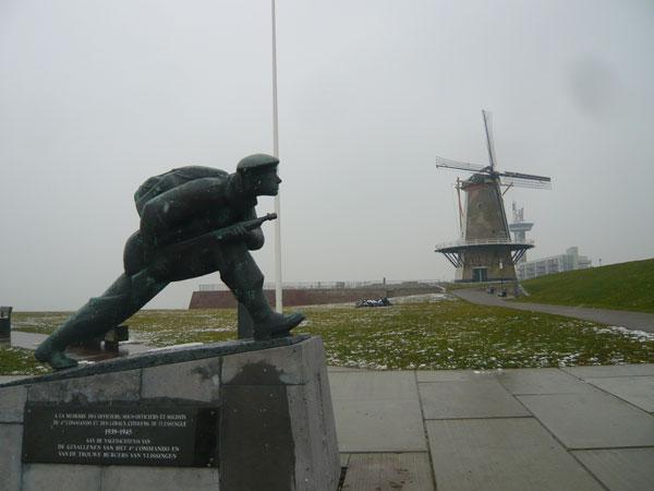 Statue-Mémorial-débarquemen