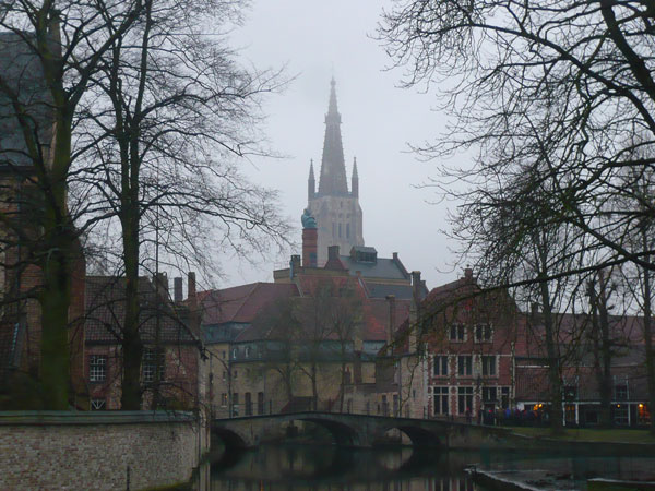 Vue-sur-l'église-Notre-Dame