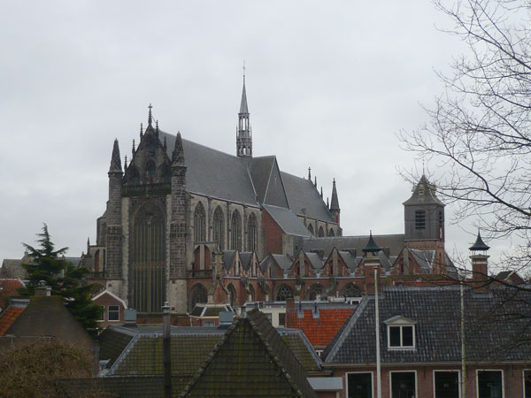 Vue-sur-la-Hooglandsekerk-d