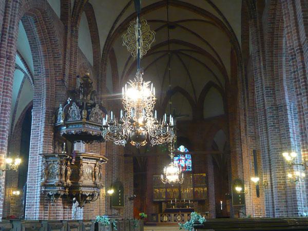 Intérieur-de-l'Eglise-Notre