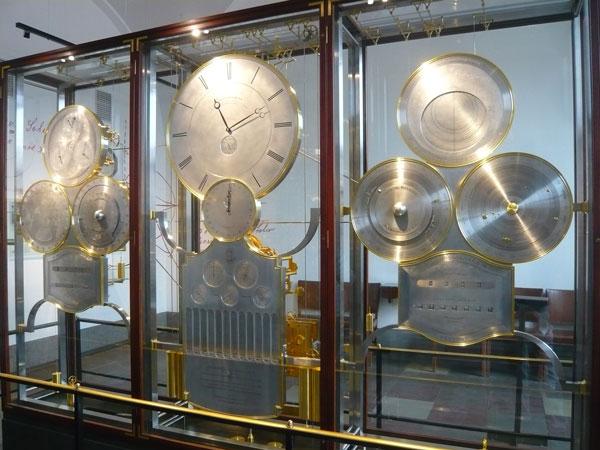 Horloge-astronomique-de-Jen