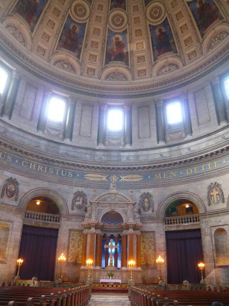 Intérieur-Eglise-de-Marbre,