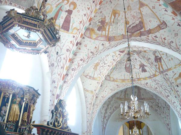 Intérieur-de-l'église-d'Elm