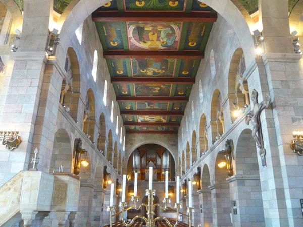 Intérieur-de-la-cathédrale-