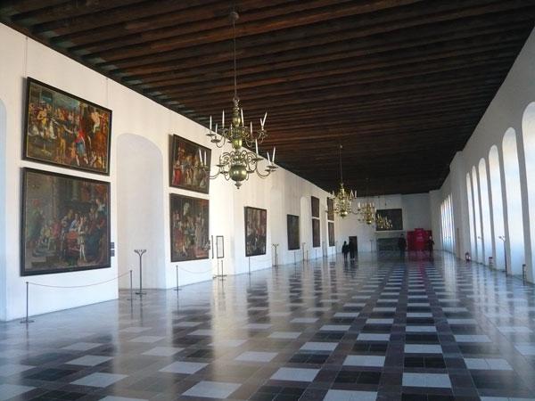 La-Salle-de-Danse,-Château-