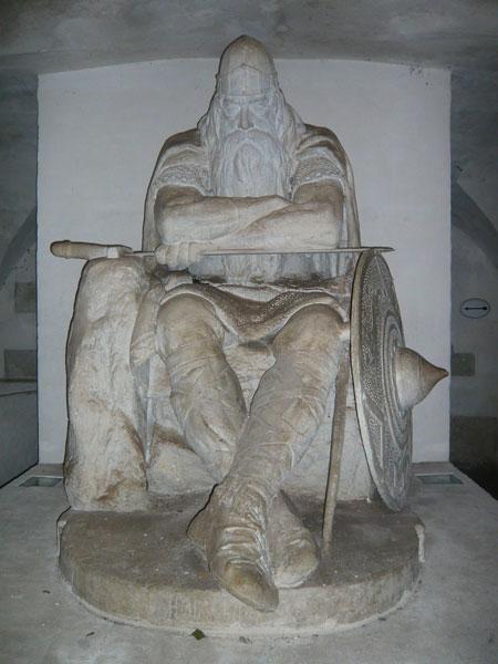 Statue-Ogier-le-Danois,-Cas