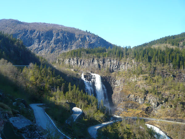 Cascadede-la-Skjervfossen-(