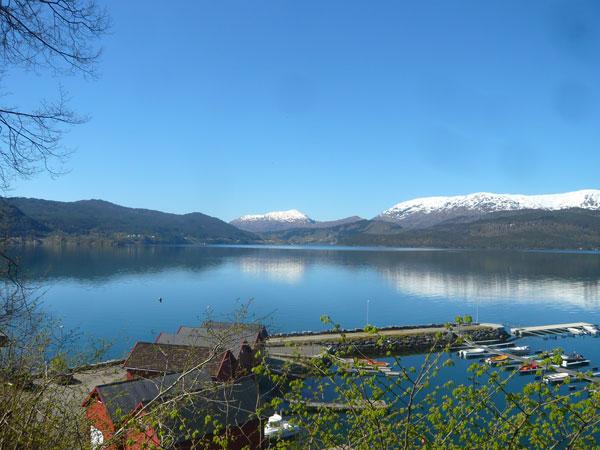 Paysage-du-fjord-Samnanger-