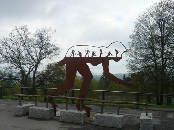 Statue-skieur-découpe-le-pa