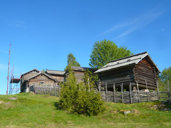 Holens-Gammelgard,-Tallberg