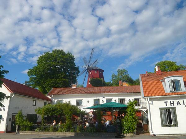 Vue-sur-le-moulin-à-6-pales