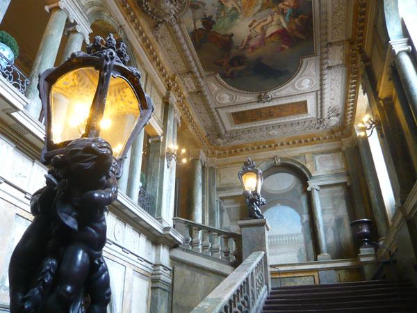 Escalier-ouest,-Palais-roya
