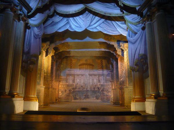Gustav-III's-Theatre-,-Grip