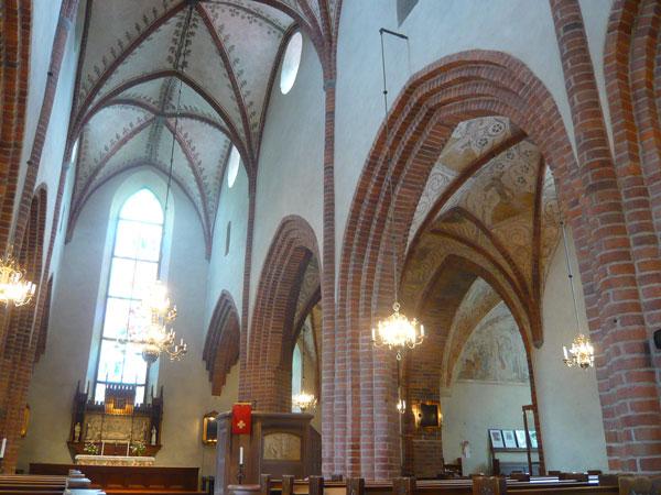 Intérieur-Eglise-Helga-Tref