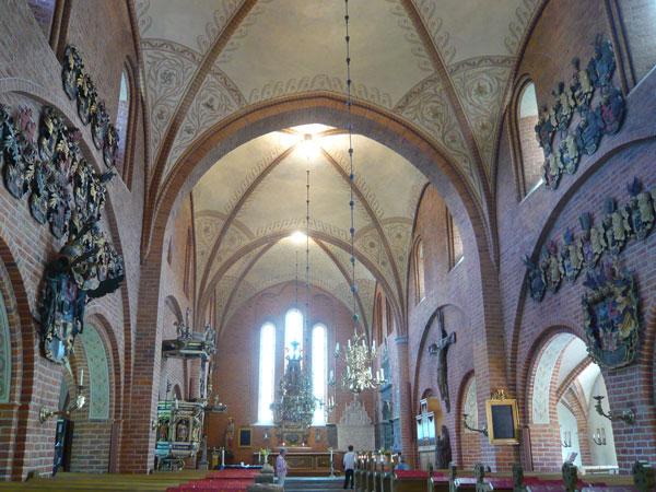 Intérieur-de-l'église-de-Sk