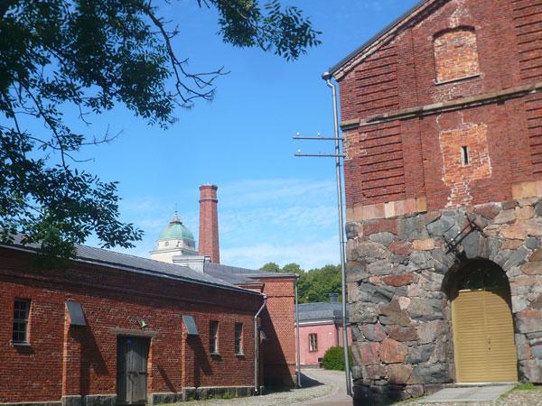 Ancien-bâtiment-militaire,-