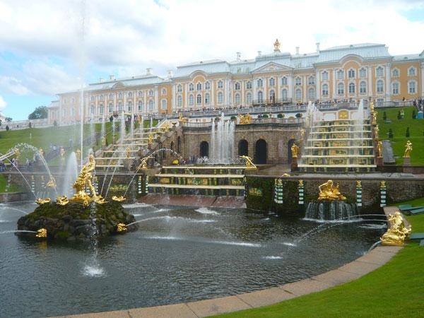 Great-Cascade-et-Peterhof,-